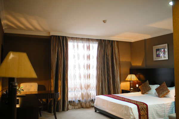 Level Suite Room